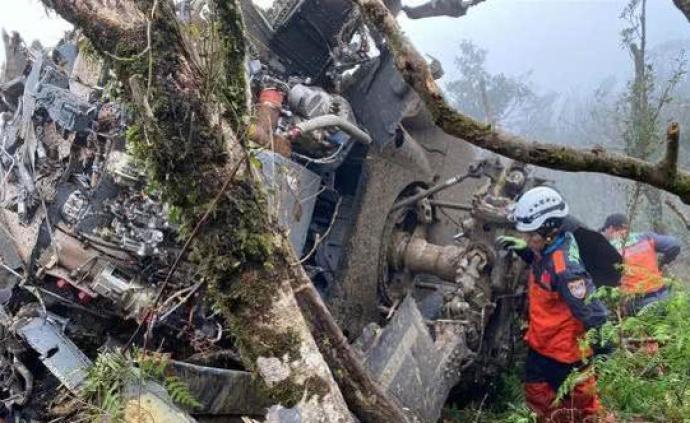 臺黑鷹直升機失事原因:天氣驟變飛行員來不及爬高,觸地墜毀