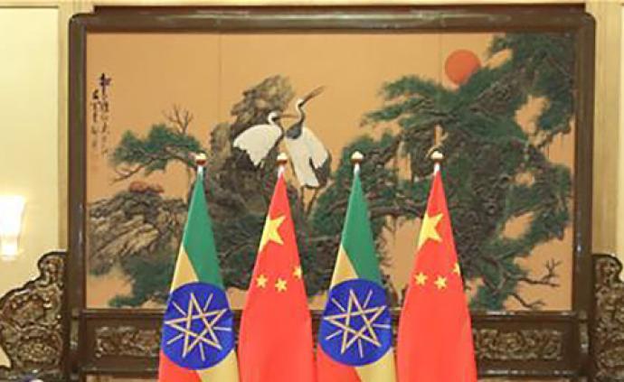 习近平同埃塞俄比亚总理阿比通电话
