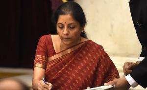 印度政府部分改组:35年来首次由女性任防长,曾是谈判高手