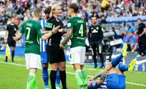 德甲赛场有了女主裁!判罚准确率98%,曾敢硬怼瓜迪奥拉