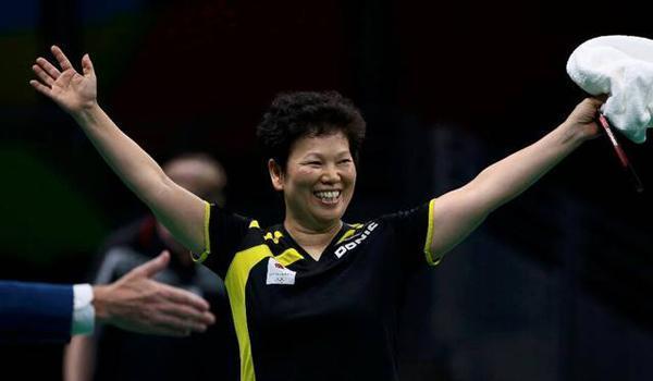 """94分钟打服日本新星!54岁""""奶奶选手""""倪夏莲的乒乓人生"""