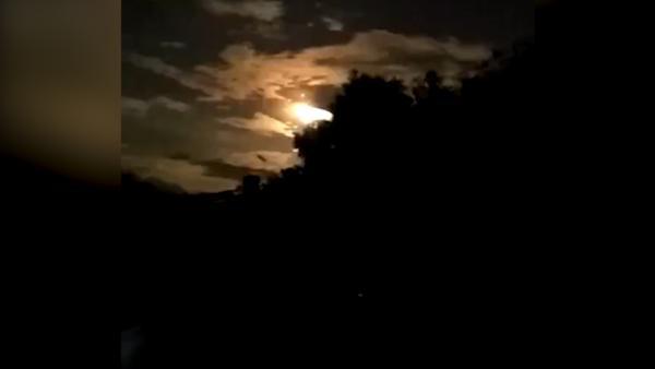 香格里拉陨石坠落:最近距离画面曝光