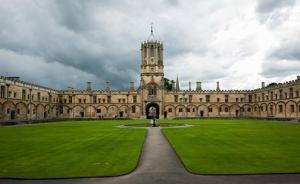 """牛津大学招生数据:一学院6年仅招一黑人,被批""""种族隔离"""""""