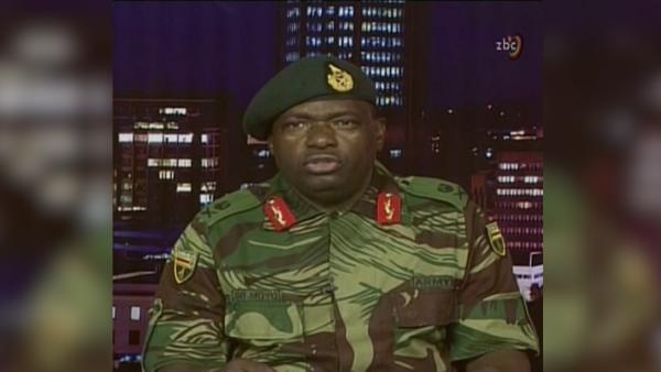 津巴布韦总统被军方扣留,疑似政变