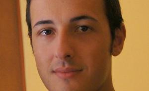巴塞罗那恐袭丨第一名遇害者身份确认,事发时拉着儿子手逛街