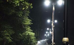 """印度能源部长错用俄公路照片炫耀""""街道照明"""",被指出后删除"""