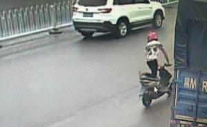 """湖南18岁小伙无证驾驶无牌摩托车马路""""杂耍"""",被拘留5天"""