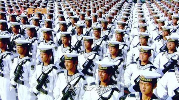 第一集《逐梦》集中展示过去5年中国军队的强军成就。